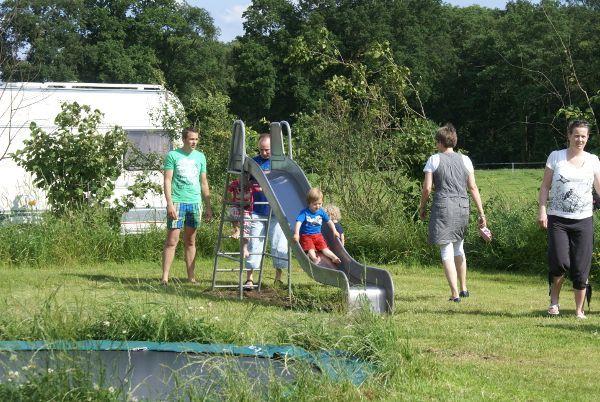 Camping glijbaan in speeltuin