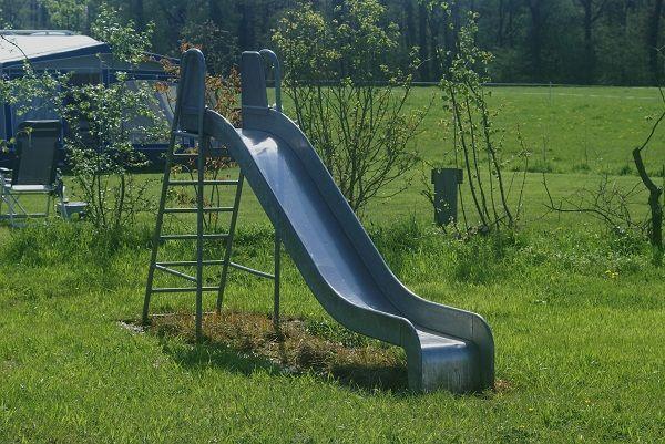 glijbaan kindvriendelijke speeltuin