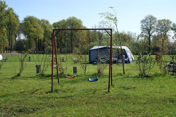 Kindvriendelijke camping schommel